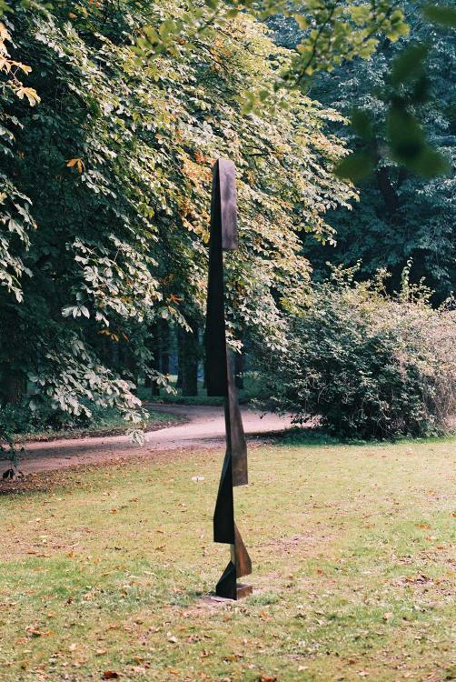 Beeldenpark Dordwijk, Dordrecht, NL.  by Norman Dilworth